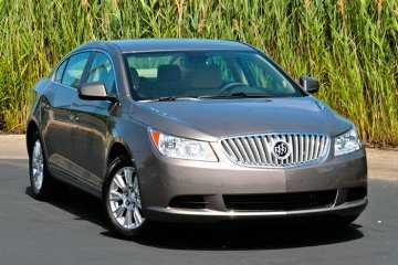 First-Drive-2010-Buick-LaCrosse-looks-to-breathe-life-into-old-brand_35617_1