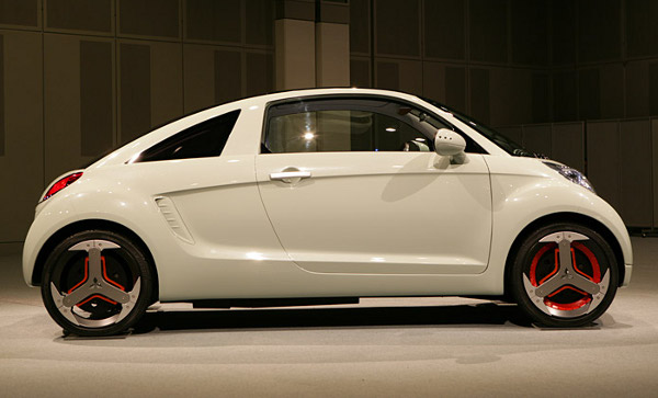 auto-electrico-mitsubishi-1