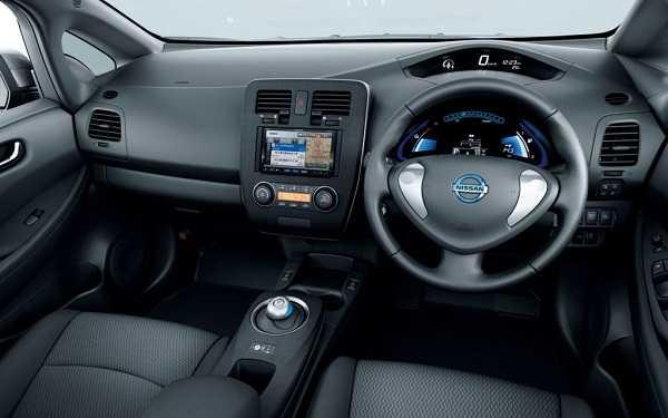 auto-electrico-nissan-leaf-interior